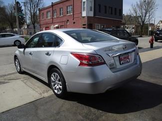 2013 Nissan Altima 2.5 S Milwaukee, Wisconsin 3