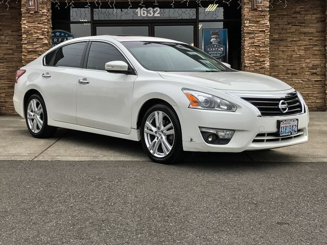 2013 Nissan Altima 35 SV This vehicle is a CarFax certified one-owner used car Pre-owned vehicle