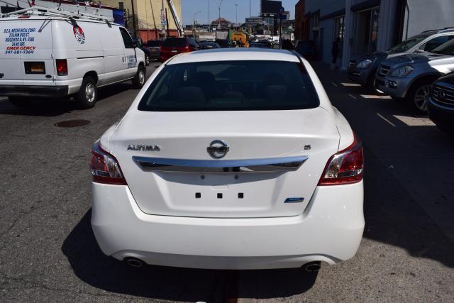 2013 Nissan Altima 2.5 S Richmond Hill, New York 3