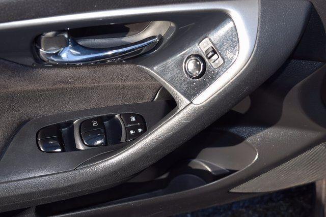 2013 Nissan Altima 2.5 S Richmond Hill, New York 12
