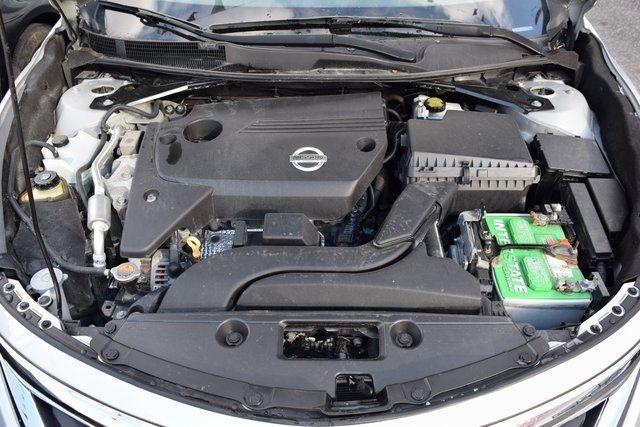 2013 Nissan Altima 2.5 SL Richmond Hill, New York 4