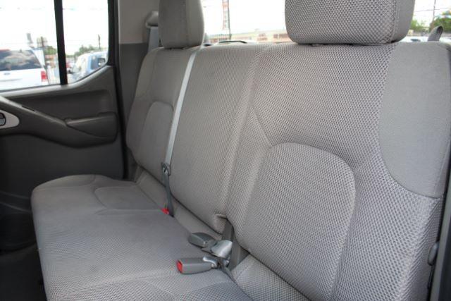 2013 Nissan Frontier S Crew Cab 4WD San Antonio , Texas 16