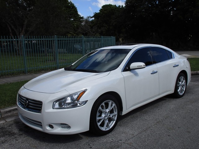 2013 Nissan Maxima 35 SV Come and visit us at oceanautosalescom for our expanded inventoryThis