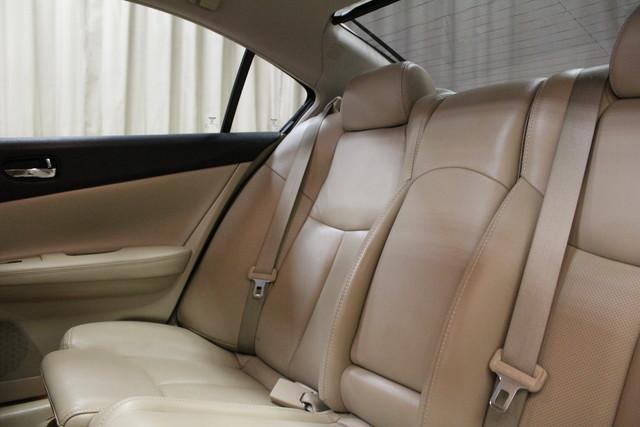 2013 Nissan Maxima 3.5 SV w/Premium Pkg Roscoe, Illinois 24