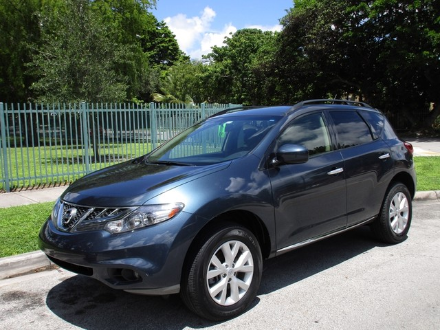 2013 Nissan Murano SV Come and visit us at oceanautosalescom for our expanded inventoryThis offe