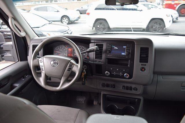 2013 Nissan NV Passenger SV Richmond Hill, New York 16
