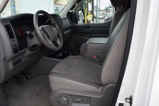 2013 Nissan NV Passenger SV Richmond Hill, New York 21