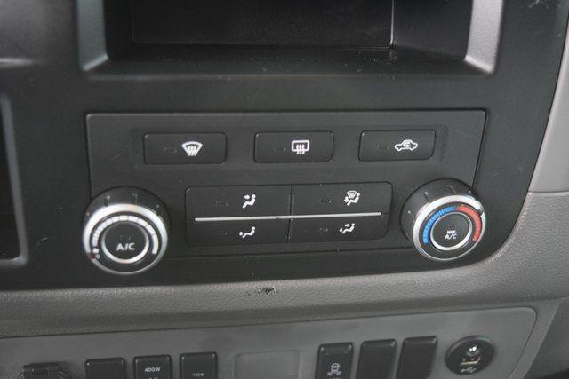 2013 Nissan NV Passenger SV Richmond Hill, New York 27