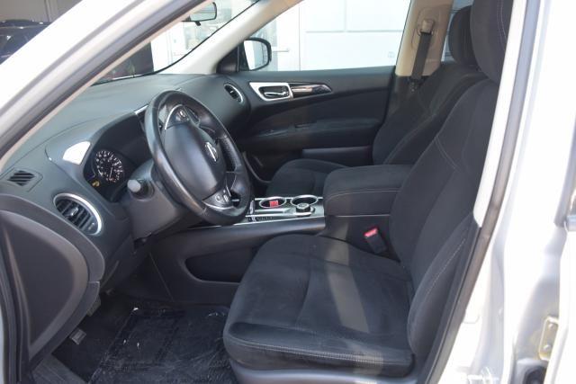 2013 Nissan Pathfinder SV Richmond Hill, New York 11