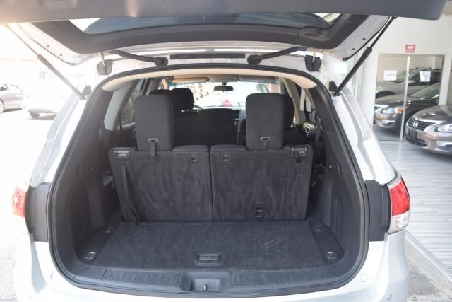 2013 Nissan Pathfinder SV Richmond Hill, New York 4
