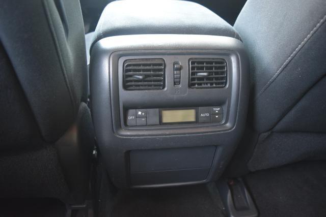 2013 Nissan Pathfinder SV Richmond Hill, New York 8