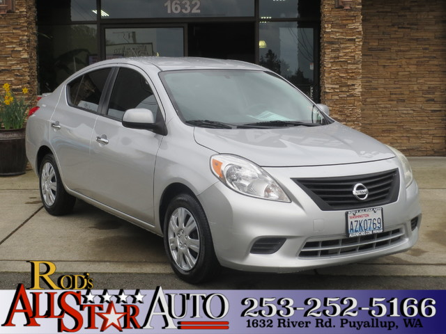 2013 Nissan Versa SV The CARFAX Buy Back Guarantee that comes with this vehicle means that you can