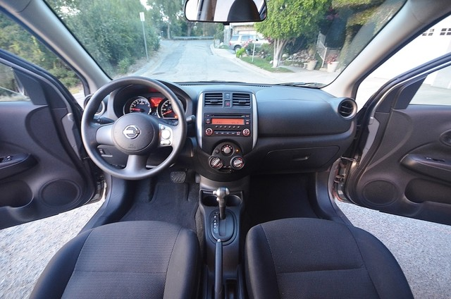2013 Nissan Versa SV Reseda, CA 5