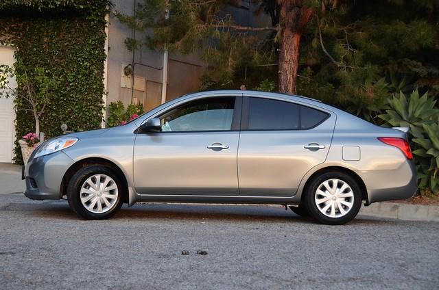 2013 Nissan Versa SV Reseda, CA 14