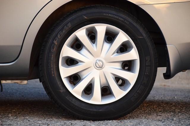 2013 Nissan Versa SV Reseda, CA 15