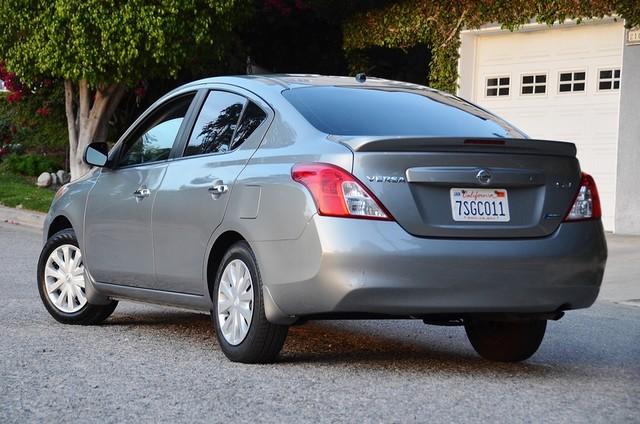 2013 Nissan Versa SV Reseda, CA 3