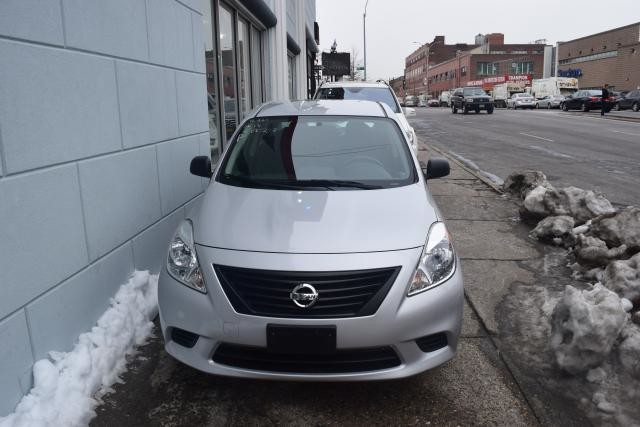 2013 Nissan Versa S Richmond Hill, New York 2