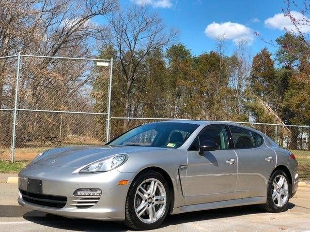 2013 Porsche Panamera 4 Platinum Edition AWD Leesburg, Virginia 9
