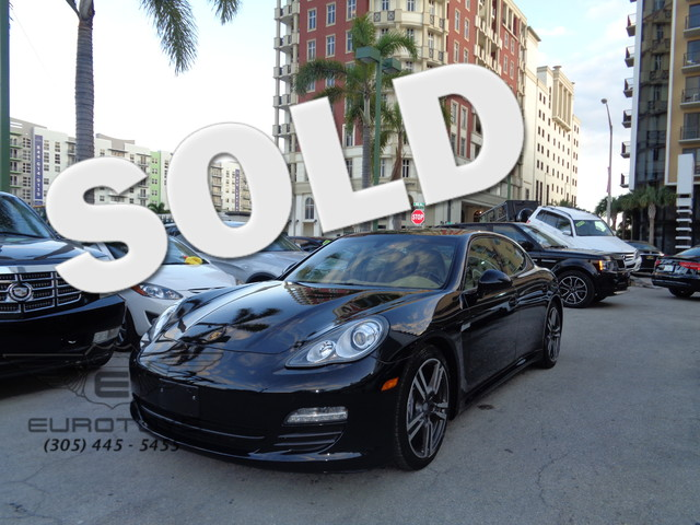 2013 Porsche Panamera 4 2013 PORSCHE PANAMERA 4 BASALT BLACK METALLIC ON TAN EQUIPPED WITH 4-ZONE