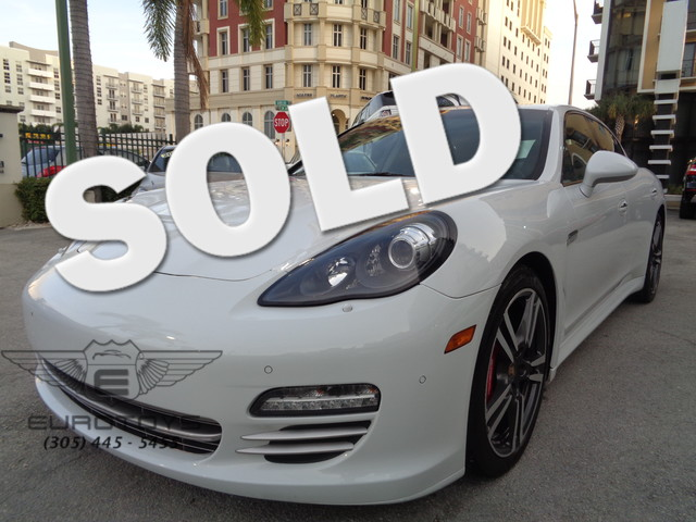 2013 Porsche Panamera 4 Platinum Edition 2013 PORSCHE PANAMERA 4 PLATINUM EDITION WHITE ON YACHTIN