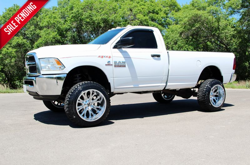2013 Ram 2500 LIFTED - LOW MILES - 4X4