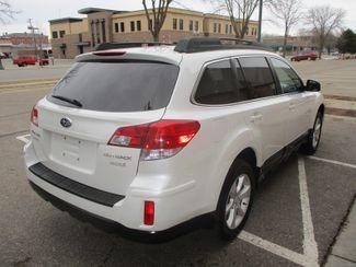 2013 Subaru Outback 2.5i Premium Farmington, Minnesota 1