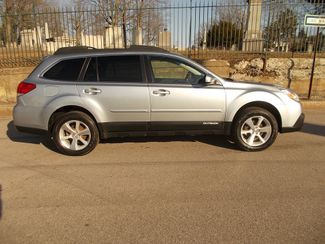 2013 Subaru Outback 2.5i Limited Manchester, NH 1