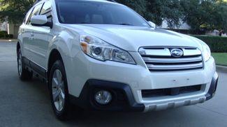 2013 Subaru Outback 3.6R Limited Richardson, Texas 1
