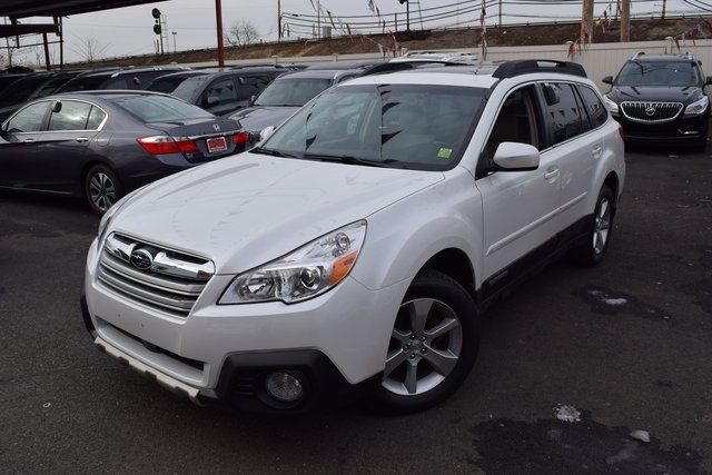2013 Subaru Outback 2.5i Limited Richmond Hill, New York 1