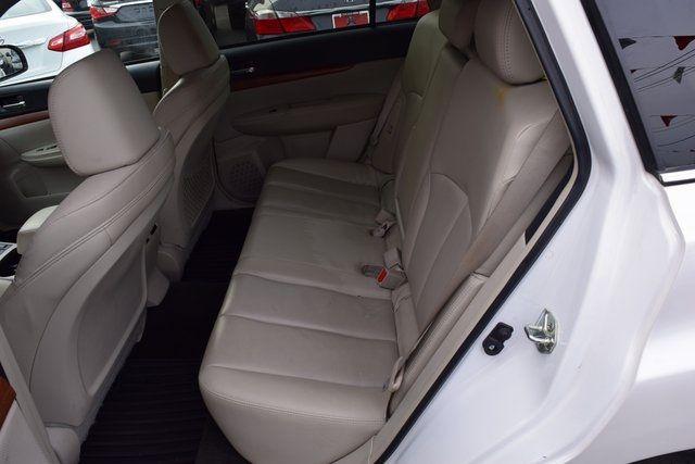 2013 Subaru Outback 2.5i Limited Richmond Hill, New York 11