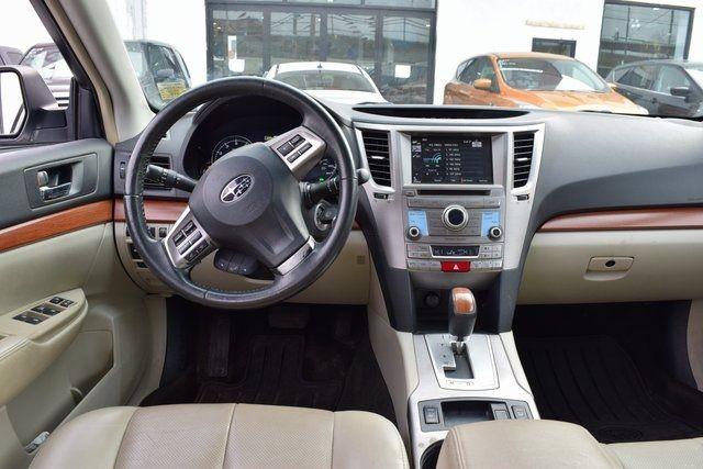 2013 Subaru Outback 2.5i Limited Richmond Hill, New York 13