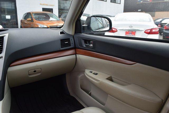 2013 Subaru Outback 2.5i Limited Richmond Hill, New York 14