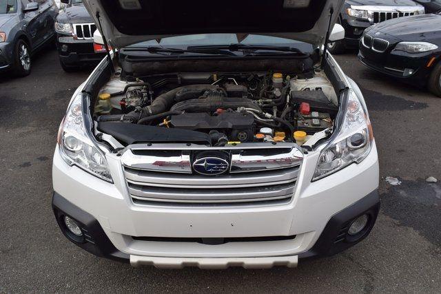 2013 Subaru Outback 2.5i Limited Richmond Hill, New York 3