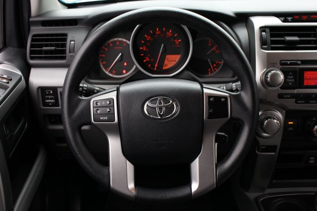 2013 Toyota 4Runner SR5 4WD - SUNROOF - 3RD ROW! Mooresville , NC 4