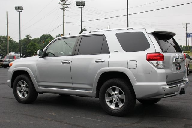 2013 Toyota 4Runner SR5 4WD - SUNROOF - 3RD ROW! Mooresville , NC 21
