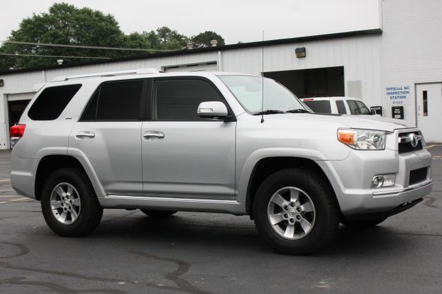 2013 Toyota 4Runner SR5 4WD - SUNROOF - 3RD ROW! Mooresville , NC 19