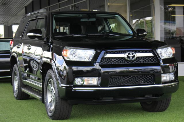 2013 Toyota 4Runner SR5 RWD - SUNROOF - CONVENIENCE PKG! Mooresville , NC 25