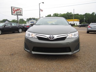 2013 Toyota Camry LE Batesville, Mississippi 4