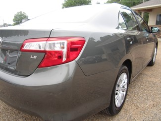 2013 Toyota Camry LE Batesville, Mississippi 26