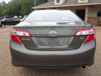 2013 Toyota Camry LE Batesville, Mississippi 24