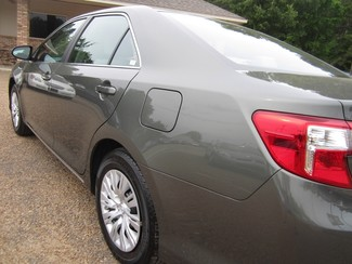 2013 Toyota Camry LE Batesville, Mississippi 25
