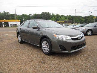 2013 Toyota Camry LE Batesville, Mississippi 1