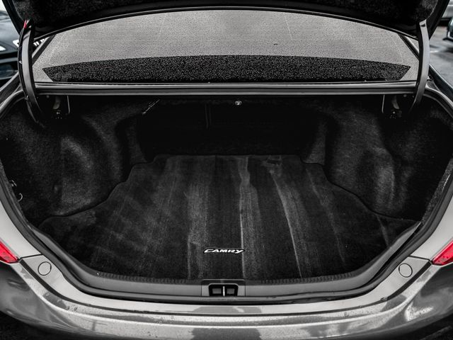 2013 Toyota Camry SE Burbank, CA 18