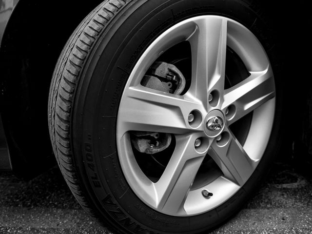 2013 Toyota Camry SE Burbank, CA 19