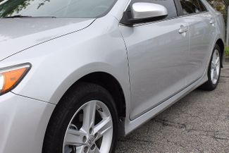 2013 Toyota Camry SE Hollywood, Florida 11