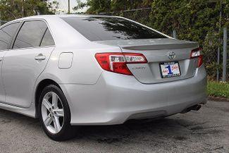 2013 Toyota Camry SE Hollywood, Florida 37