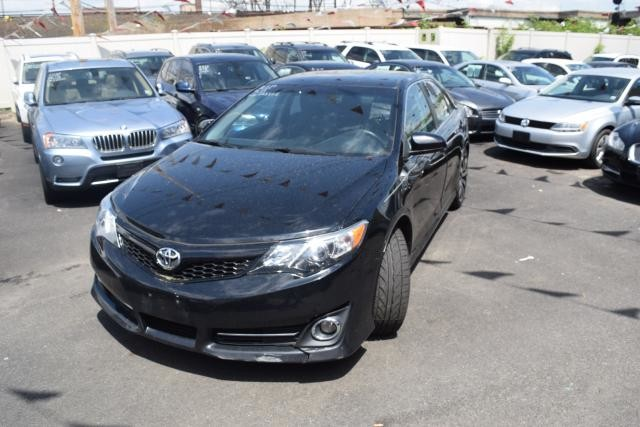 2013 Toyota Camry 4dr Sdn I4 Auto SE Richmond Hill, New York 0