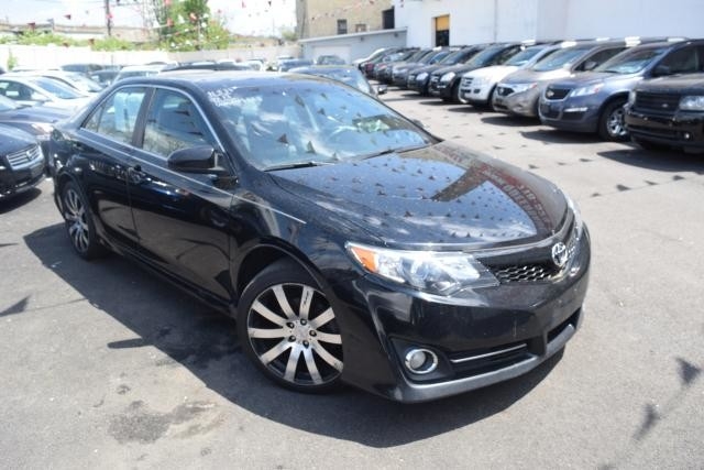 2013 Toyota Camry 4dr Sdn I4 Auto SE Richmond Hill, New York 1