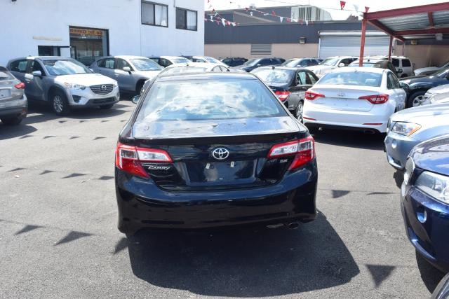 2013 Toyota Camry 4dr Sdn I4 Auto SE Richmond Hill, New York 3