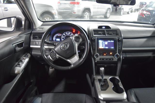 2013 Toyota Camry 4dr Sdn I4 Auto SE Richmond Hill, New York 5
